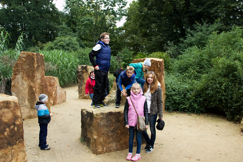 Martina a děti v ZOO